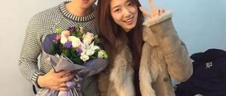 朴信惠公開與劉延錫合照 再次相見的王和妃子!
