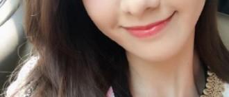 春之女神允兒的美貌炫耀 陽光微笑暖化人心