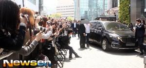 【照片】EXO的Su Ho、D.O、Kai和少時太妍參加Nature Republic活動
