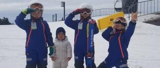 宋一國SNS公開三胞胎近況 滑雪場變身護花使者