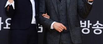 《被告人》權俞利受邀做客池晟家 受池晟李寶英演技指導