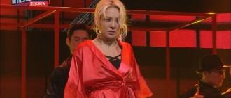 【影片】孝淵宛如瑪丹娜附身! 在《Hit The Stage》上演音樂劇