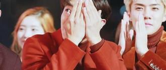 Chanyeol被BLACKPINK和BTS表演時的煙花嚇到了
