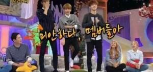 【影片】EXO伯賢、燦烈、CHEN是『舞癡』? 用刀群舞代替回答