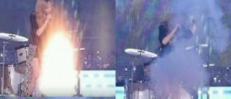泰妍在的KBS音樂銀行的獨奏舞台中被煙花嚇到了,險些受傷