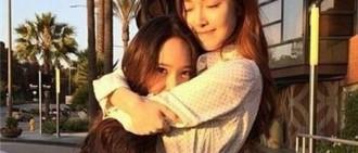 Krystal曬姐妹合照 為Jessica新曲應援