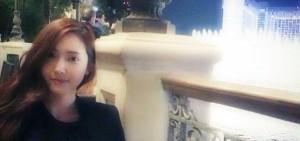 Jessica融於在拉斯維加斯夜景中,「離開少時更有餘了」