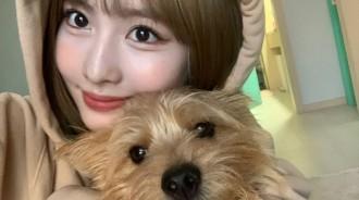 TWICE Momo和愛犬一模一樣!可愛表情自拍照大公開