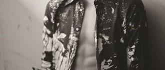 2PM李俊昊最新雜誌寫真曝光 露腹肌秀完美火爆身材