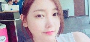 T-ara素妍升級美貌自拍照,「白皙肌膚+可愛表情」
