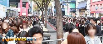 【照片】粉絲癱瘓明洞 2PM合體人氣夯