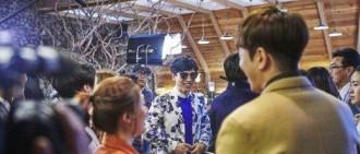 劉在石不愧為國民MC  演員們都圍著他轉!