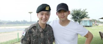 [星聞]組合2PM成員玉澤演參加黃燦盛的結業儀式