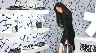 """比模特更出色?孫娜恩""""527萬黑色禮裙""""造型,凸顯好身材"""