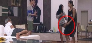《Roommate》宋佳妍向著Jackson毫無顧忌的踢腿是為何?